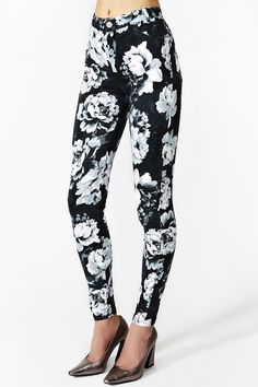 Jordan Skinny Jeans in Dark Rose