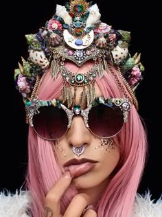 But there's a new trend in town: MERMAID CROWNS. | Mermaid Crowns Are The New Flower Crowns And I'm Not Mad At It More