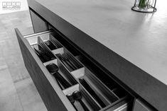 Proiect bucatarie Delea Veche   Kuxa Studio, expert in mobila de bucatarie - 5348 Kitchen Storage, Home Decor, Decoration Home, Kitchen Organization, Room Decor, Home Interior Design, Home Decoration, Interior Design