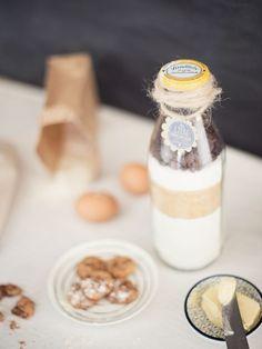 DIY-Anleitung: Backmischung für leckere Schokoladenkekse in der Flasche selber machen via DaWanda.com
