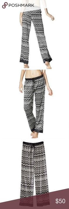 💕 new MISSONI for targèt bright print lounge pant size XL  from the sold out limited edition Missoni for Targèt ready-to-wear collaboration collection ♡  the Missoni for Targèt signature pants in Bright print  stretch tie waist black + white chevron design!  very soft feel oversize roomy straight leg fit 100% polyester machine washable   wear to lounge or with a tight black top and heels!   condition: NEW with tags! 💕 Missoni Pants