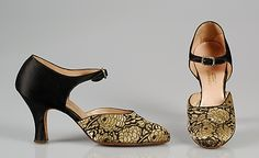Evening shoes Sommers, Inc.  Date: ca. 1926 Culture: American Medium: Silk Credit Line: Brooklyn Museum Costume Collection at The Metropolitan Museum of Art, Gift of the Brooklyn Museum, 2009; Gift of the Monroe and Estelle Hewlett Collection, 1939 Accession Number: 2009.300.4272a, b