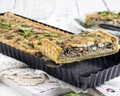 Večera na brzinu: Pita od blitve i feta sira Cheesy Recipes, Vegetable Recipes, Vegetarian Recipes, Healthy Recipes, Veggie Food, Cooking Light, Easy Cooking, Healthy Cooking, Healthy Food