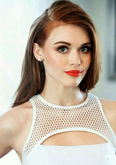(FC: Holland Roden) Hey there. Stephanie Moore's the name. I'm an agent in…