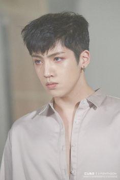 "Wooseok   ""Ceremony"" Jacket Shooting Behind The Scenes"