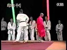 Shaolin Monk vs Taekwondo Master (HQ) ORIGINAL QUALITY