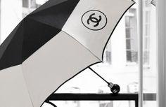 Chanel two tone black and white umbrella Coco Chanel, Chanel Brand, White Umbrella, Under My Umbrella, Gabrielle Bonheur Chanel, Going To Rain, Umbrellas Parasols, Dancing In The Rain, Classy And Fabulous