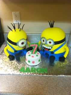 Despicable me minion birthday cake 2013