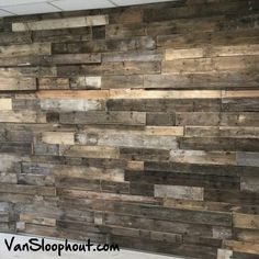 Grove wand van pallethout (sloophout). #pallethout #sloophout #houtenmuur #houtenwand #hout #grof #stoer