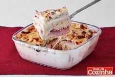 Com recheio de presunto e queijo, esse sanduíche cremoso de forno vai impressionar toda sua família. Aproveite e faça agora mesmo
