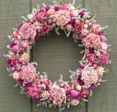Lovely cottage wreath using dried flowers from Pods and Petals. www.etsy.com/shop/podsandpetals