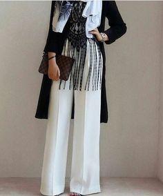 Beyaz bol paça pantolon kombini