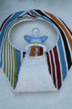 how totally practical is that? that's genius, right there. Baby Bib, Terry Cloth, | http://giftsforyourbeloved.blogspot.com