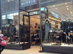 Exterior pictures of Rudsak at Yorkdale shopping mall