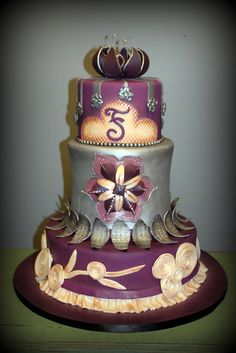 Vintage by Sandra's Cakes, via Flickr. GO ON WITH YOUR BAD SELF, SANDRA!