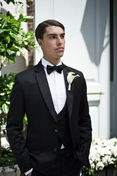 A classic tuxedo looks chic and stylish for a city wedding. Wedding Theme Inspiration - Fairytale In New York - You Mean The World To Me www.youmeantheworldtome.co.uk