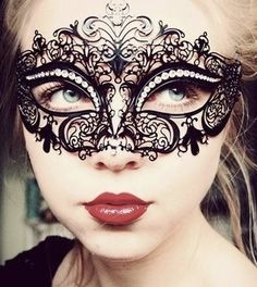 mask from etsy seller ElegantxBoutique. Absolutely stunning