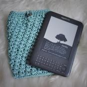 Puffy Kindle, Nook, and iPad Cover - via @Craftsy