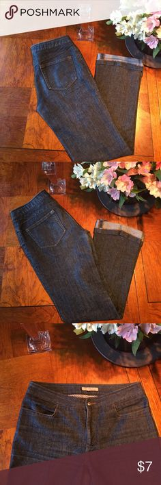 """Zara jeans size 6 inseam 29"""" Zara jeans size 6 inseam 29"""". Super cute cuff. Fast shipping!! Zara Jeans Boot Cut"""