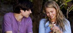 Nim's Gallery - Return to Nim's Island: Toby Wallace and Bindi Irwin with lizard.
