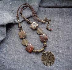 Leather Jewelry, Wire Jewelry, Jewelry Art, Beaded Jewelry, Jewelery, Jewelry Design, Cool Necklaces, Metal Necklaces, Jewelry Necklaces