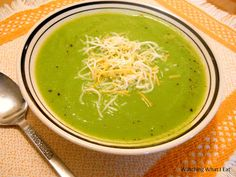 super easy broccoli soup ~ REALLY low cal, REALLY low fat, REALLY simple to make & REALLY GOOD!  get your green on!