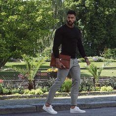 "94 Beğenme, 4 Yorum - Instagram'da Alexander Caine (@alexandercaineuk): ""A shirt under a sweater is the perfect smart/casual combo."""