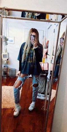 teenager outfits for school ; teenager outfits for school cute Winter Outfits For Teen Girls, Teenage Outfits, Teen Fashion Outfits, Mode Outfits, Jean Outfits, Fall Outfits, Spring Outfits For School, Summer Outfits, Hipster Outfits For Women
