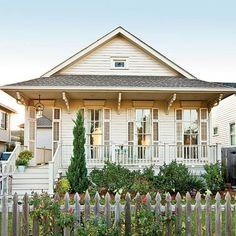 Southern Living: wraparound porch ⭐️