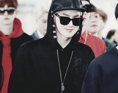 suho looks like the leader of a gang or a rap group lol #EXO #$uho #Blonde