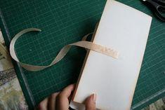 Добрый вечер, дорогие читатели. Сегодня мы хотим вам предложить МК по созданию открытки - шоколадницы, который для вас написала наша Юли...
