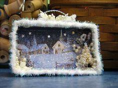 Christmas DIY : shadow box made from Christmas card Vintage Christmas Crafts, Christmas Card Crafts, Christmas Paper, Diy Christmas Ornaments, Rustic Christmas, Christmas Projects, Handmade Christmas, Holiday Crafts, Christmas Holidays