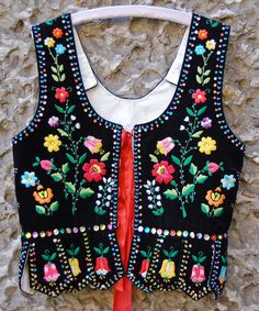 Various Krakow vests Polish Embroidery, Folk Embroidery, Embroidery Fashion, Floral Embroidery, Folk Clothing, Historical Clothing, Polish Folk Art, Folk Costume, Krakow