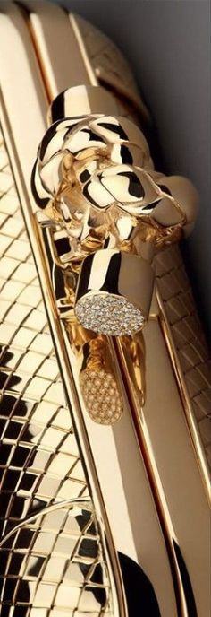 Divine shiny gold Bottega Veneta Knot Clutch is an excellent addition to a glamorous woman's wardrobe. Gold Everything, Color Dorado, Shades Of Gold, Gold Rush, Rush 2, All That Glitters, Gold Fashion, Beautiful Bags, House Beautiful