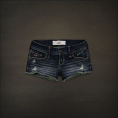 im going to NEED to go to hollister this summer