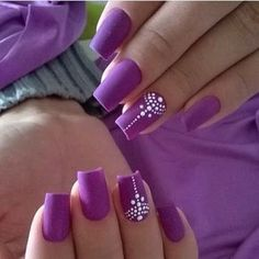 Super Pretty Flower Nail Designs To Copy Elegant Nail Designs, Flower Nail Designs, Short Nail Designs, Elegant Nails, Stylish Nails, Nail Art Designs, Purple Nail Art, Best Acrylic Nails, Flower Nails