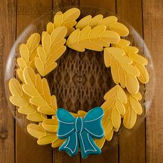How to make a fall wreath cookie platter by Semi Sweet Designs Thanksgiving Cookies, Fall Cookies, Cut Out Cookies, Holiday Cookies, Apple Cookies, Thanksgiving Sale, Iced Cookies, Halloween Cookies, Sugar Cookies