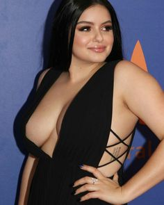 MULTIPLE SIZES A ARIEL WINTER HOLLYWOOD GOSSIP CELEBRITY Poster