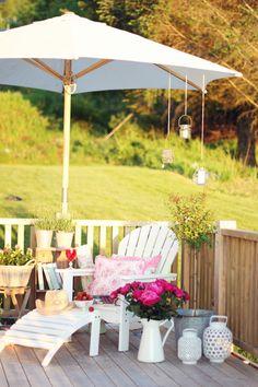 jordbærpiken: NIB-utfordring juni: hage/uteplass Cottage Garden Plan, Cottage Porch, Home And Garden, Outdoor Fun, Outdoor Spaces, Outdoor Decor, Outdoor Ideas, Outside Living, Outdoor Living
