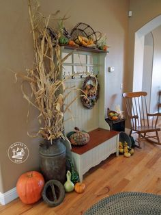 Fall Decorating using stuff you can find in your back yard! (Or the farmer's market.)  :)