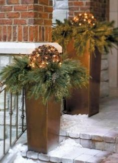 A Grandin Road exclusive, this Pre-lit Pinecone Greenery is holiday décor that& outside the typical big-box-store thinking. The sturdy wire frame fits neatly in the planters, allowing the greenery to flow over the rim. Christmas Urns, Christmas Planters, Christmas House Lights, Outdoor Christmas Decorations, Christmas Balls, Christmas Wreaths, Holiday Decor, Outdoor Decor, Decoration Design