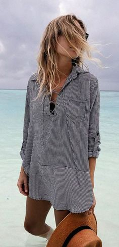 Beach vacation outfits : beach outfit — grey cover up and straw hat Womens Fashion Casual Summer, Womens Fashion For Work, Beach Wear For Women Outfits, Teen Beach Outfit, Fall Beach Outfits, Woman Outfits, Fashion Me Now, Beach Fashion, Fashion 2016