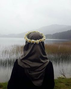hijab and muslim Hijab Niqab, Hijab Chic, Mode Hijab, Hijab Outfit, Anime Muslim, Muslim Hijab, Muslim Girls, Muslim Women, Muslim Brides
