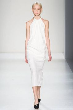 The five best looks from Victoria Beckham's collection. See them here!