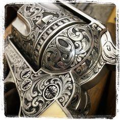 Metal Engraving Tools, Engraving Art, Laser Engraving, Zombie Weapons, Weapons Guns, Colt Single Action Army, Steampunk Gun, Harley Davidson V Rod, Indian Artifacts