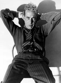 Humphrey Bogart. S)