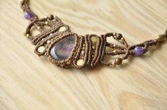 Handgemachte Makramee Halskette mit Amethyst Stein von MichalGeist