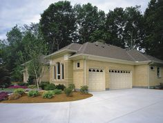 Classic™ Collection VALUE SERIES www.garagedoor4less.com 1-layer steel construction. An attractive, affordable and reliable garage door. Traditional short, long and flush design