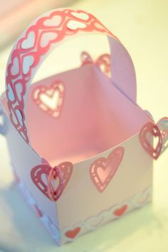 Sweetheart Valentine Baskets from #CreativeMemories    http://www.creativememories.com