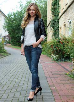 11b0b913cd 412 best Jeans images on Pinterest